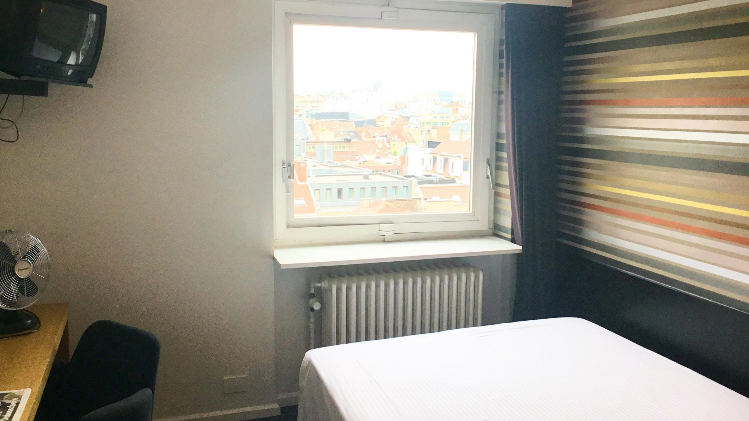 Mini double room